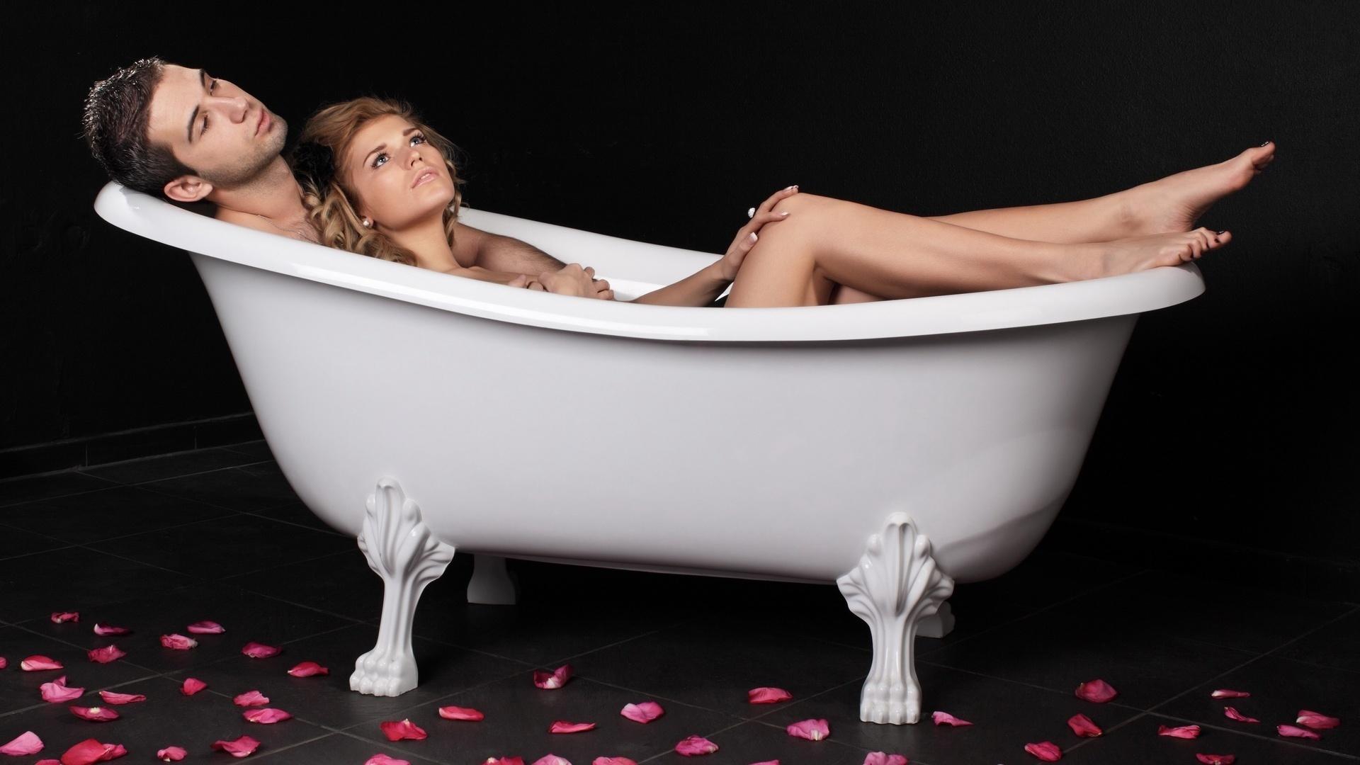 Эротика в ваннах с розами фото 744-838